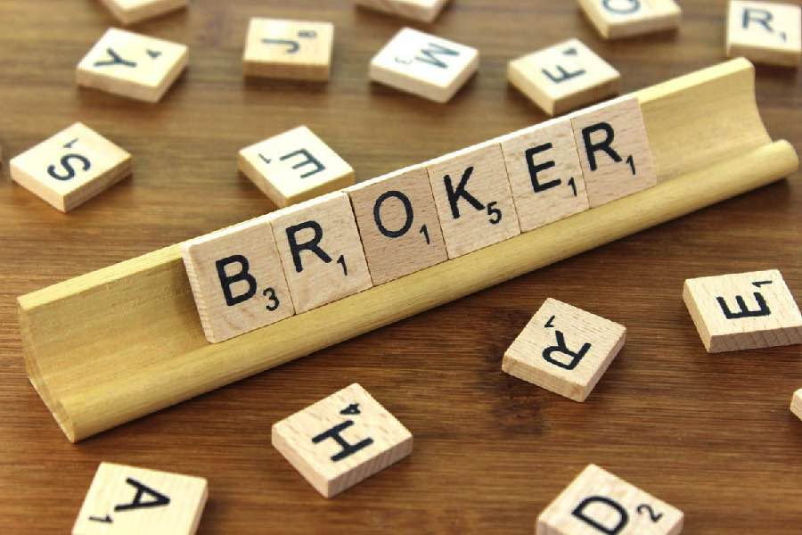 Working Broker Brokerage Broking